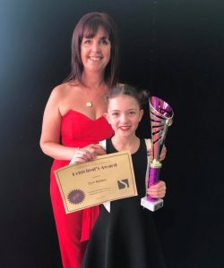 Eryn Baldwin receives the 2018 StageScreen Principal's Award